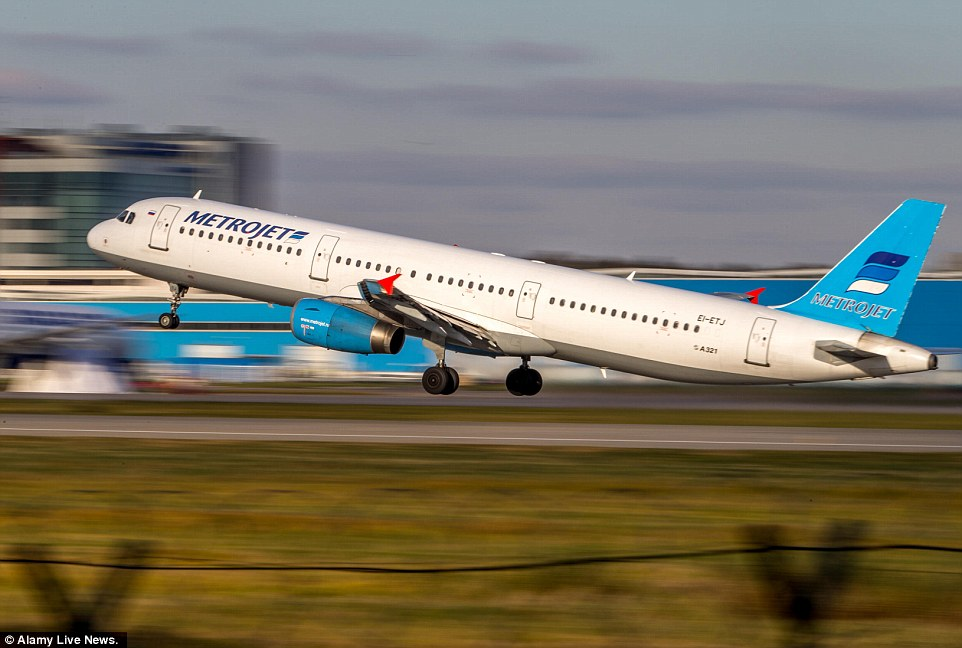 2DF83A1C00000578-3297871-The_doomed_Airbus_A321_pictured_earlier_this_month_in_Moscow_was-a-40_1446289242903