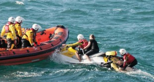 376C038300000578-3750208-The_mother_was_rescued_by_an_RNLI_jetski_while_the_father_and_da-a-28_1471687675033