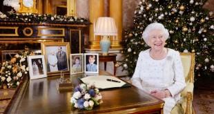 queen-christmas-0