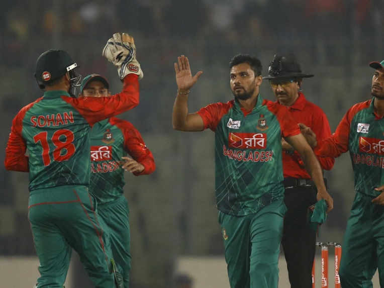 bangladesh-players-celebrate