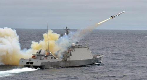 a-south-koreas-navy-ship-fires-missiles-in-a-military-drill-photo-afp-1594454-22-11-han-quoc-tap-tran