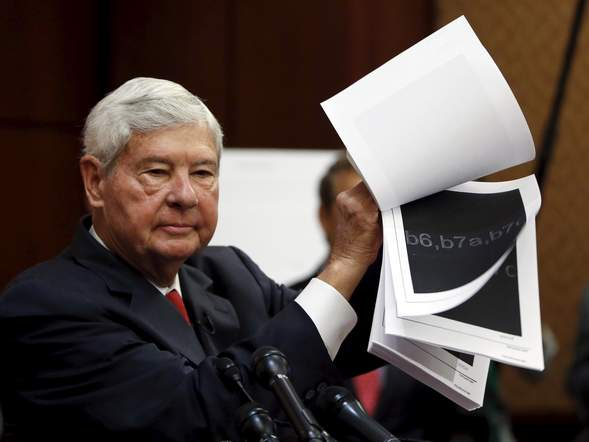 Former senator Bob Graham holds the still-classified 28 pages on 9/11