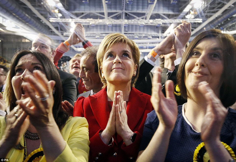 33E2CF6E00000578-3576005-Nicola_Sturgeon_pictured_in_Glasgow_this_morning_pledged_to_gove-a-25_1462516150526